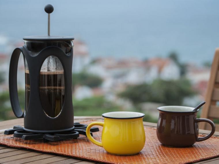 Diferentes tipos de cafeteras: cafetera embolo